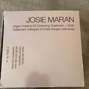 JOSIE MARAN Other - Josie maran Argan oil cleanser
